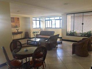 Lindo Apartamento três quartos ( uma suite) em Cabo Frio , na Praia do Forte.