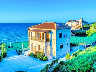 Villa Mare Psarou Beachfront