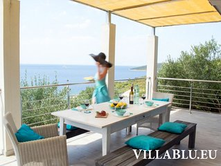 Villa Blu: secluded, luxurious vacation home down by the sea