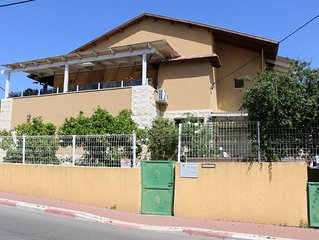 Israeli Home is an accommodation offering garden views.