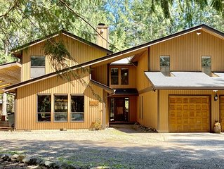 Clear Creek Retreat, Hot-tub, Sauna, River, Secluded, Great for Families
