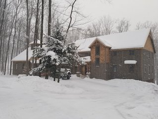 Boyne Mountain True Timber Frame home. Ski in/ out in gated community