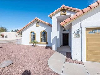 3/2 custom pool home, gated marina. Private neighborhood.  Sleeps 6 Most pets ok