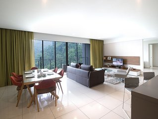 3 Bedroom Lakeview Premier Suite #2