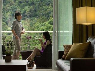 3 Bedroom Lakeview Premier Suite #5
