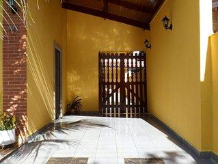 Casa bem confortavel com piscina em Peruibe