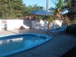 Casa super confortavel, piscina, churrasqueira,splits , tv a cabo, internet.