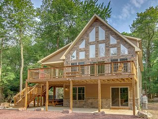 'Eagles Nest' Fun Home for Groups, 9 Smart TV's, Fast Internet