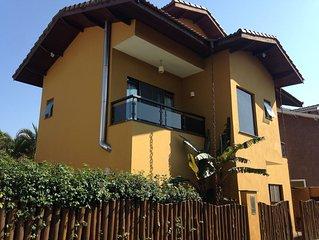 Ampla Casa em Condomínio na Av de Maresias com Churrasqueira e Piscina privativa