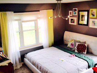 Sweet Digs Minneapolis(Sleeps 12)Near Lakes, Parks and Trails