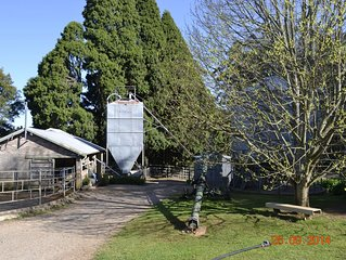 UNIQUE SELF-CONTAINED FARM STAY IN THE PICTURESQUE SOUTHERN HIGHLANDS