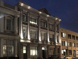 Bond Street Apartment Luxury 3-Bedroom