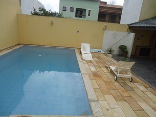 Casa com Piscina e WiFI em Condomínio à Beira Mar