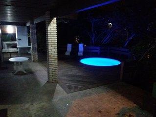 Casa na Barra da Lagoa, piscina térmica, mesa de sinuca, hidromassagem etc.