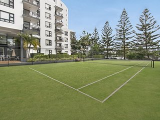 Broadbeach Resort Apartment