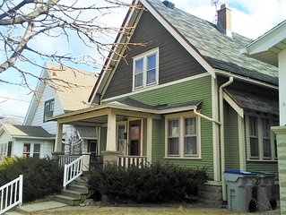 Comfortable 3BR Craftsman Bungalow in Milwaukee's Bay View Neighborhood