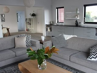 Modern, large, open plan 1 bedroom apartment
