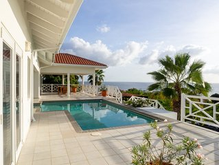 Villa Happy View with sea view and large swimming pool on Coral Estate