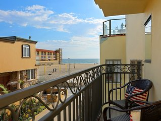 Beautiful Beachside Strand Home with Roof Deck-Casa Nuevo!