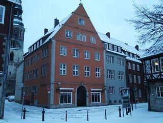 Historic Ballhof Apt