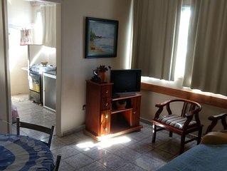 Apartamento de 2 quartos na Praia do Morro - ÓTIMA LOCALIZAÇÃO à 150 m do mar.