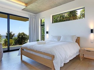 Minimalistic 2 Bed Camps Bay Views | Villa Minima