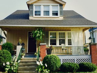 Entire Home in Charming Ferndale  4 Bedrooms  Sleeps 12 Guests