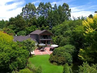 Centennial House Luxury Boutique Lodge 20 guests, 9 Bedrooms & Amazing Gardens