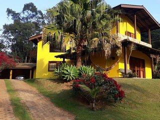 Sobrado Atibaia - SP.  Condominio com piscina e natureza