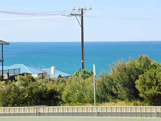 Rosetta Beach Cottage - Pt Elliot - pet friendly, sea views