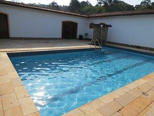 Linda chácara com piscina, churrasqueira e espaço para lazer!
