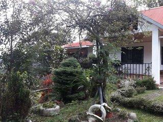 Casa ubicada a 10 minutos de Bajo Boquete, rodeada de tranquilidad y naturaleza.