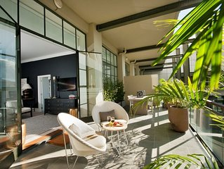 NY-style apt, 2 bed, large sunny terrace, rooftop pool Auckland City