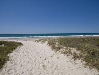 TINA'S BEACHSIDE AT BILINGA -  Beautiful beachfront with 180 degree ocean views