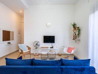 2Bdrm beatiful apartment on Bat Galim Beach - Best Location in Haifa!