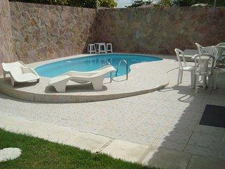Casa c/95%da área interna climatizada,c/WI-FI,piscina,3suítes c/ar,1/4 solt c/ar