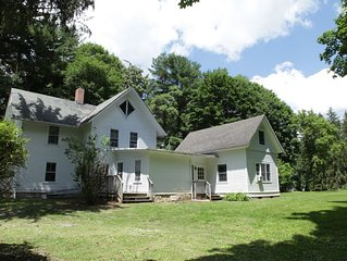 Charming secluded Stockbridge home, 4 miles Tanglewood