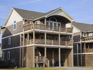 South Fork Farms 10: Oceanside, private pool and hot tub. Short walk to the beac