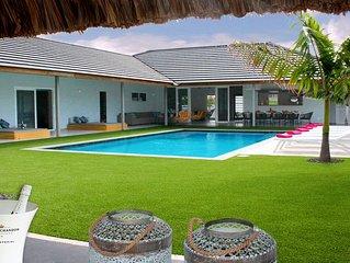 New Luxury 5 Bedroom Villa In Walking Distance To Jan Thiel Beach. Sleeps 10