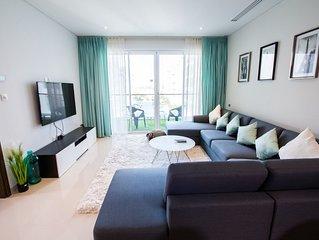 Modern, Bright Apartment * Al Mouj with Gym & Pool