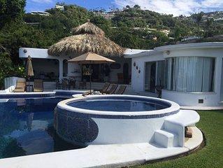 Beautiful vacation Villa in Las Brisas, Acapulco. 'Villa El Ángel'