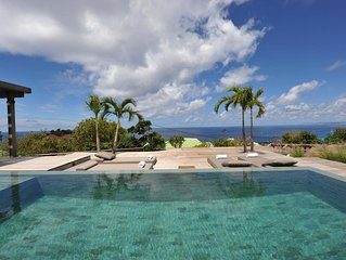 Stunning Ocean and Sunset Views, Large Swimming Pool, Covered Pergola Area, Free