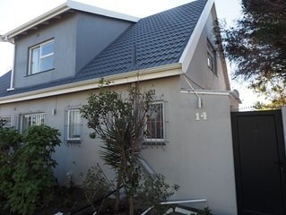 In Table View , 5 Min From Bloubergstrand Beach L