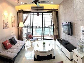 5min walk to MRT1,Luxury Stay 3rooms near OneUtama