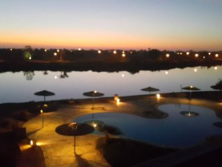 Amazing pool and lagoon view 2br apartment, Elgouna