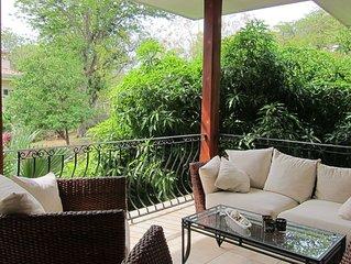 Spacious tropical condo (3Bed, 2Bath) - beach, eco-tourism, pool