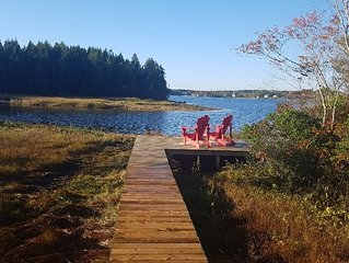 WATERFRONT SUNSET VIEWS 2 BEDROOM, GREAT LOCATION!
