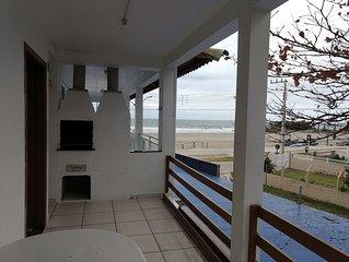 Apartamento na frente do mar