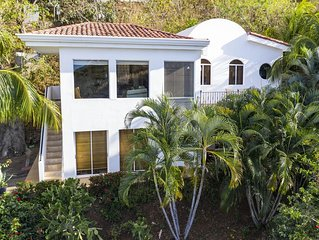 Habitat Magico - Highly rated Ocean View villa in a PRIVATE jungle-like setting!