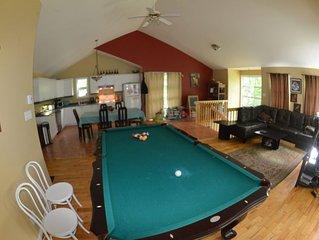 Maison dans les arbres - Mountain View 3 BDR house - Pool Table